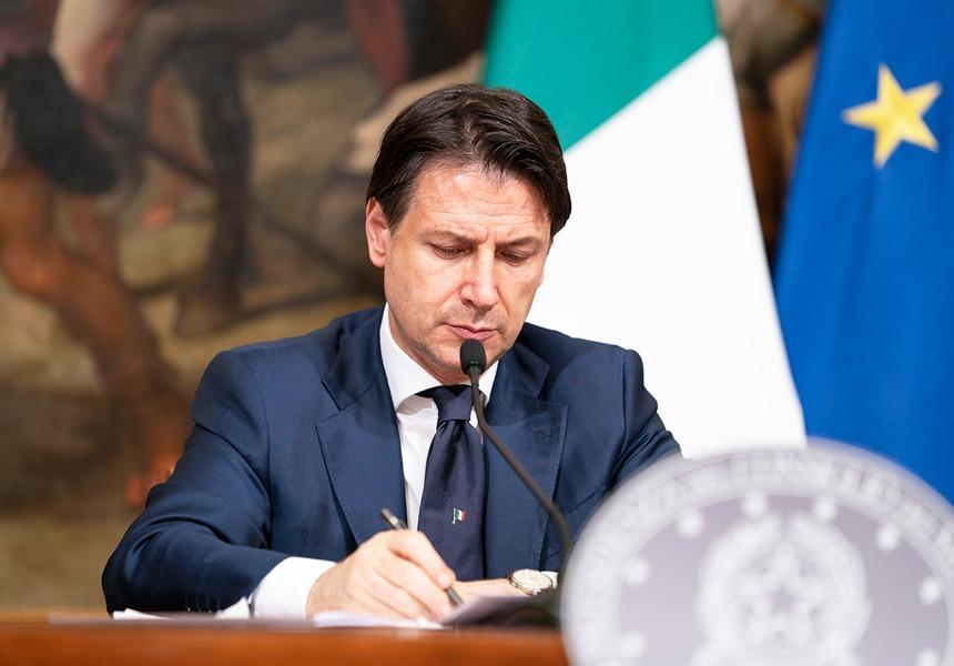 Conte firma il Dpcm 17 maggio 2020 Il Presidente Conte ha firmato il Dpcm recante le misure per il contenimento dell'emergenza epidemiologica da Covid-19 in vigore dal 18 maggio.
